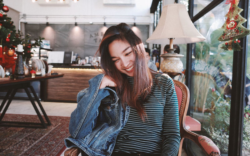 Merry Christmas Portrait People Smiling Women Merry Christmas Christmas Decoration Young Women Happiness Casual Clothing Posing Pretty Warm Clothing Winter Coat Capture Tomorrow Moments Of Happiness