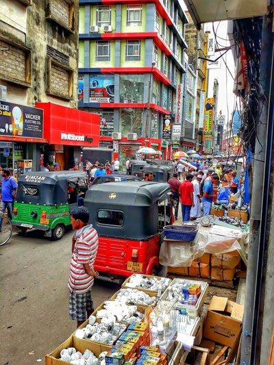 a busy day in pettah Colombo Pettah Busy Busystreet People Multi Colored Architecture