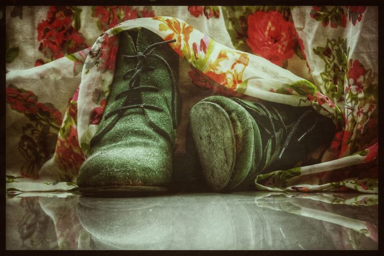 No People Indoors  Close-up EyeEm Selects Shoes Boots StillLifePhotography StillLife Rustic Grunge Floral Maxidress Floraldress EyeEmNewHere Sommergefühle