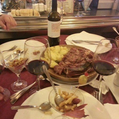 Una buena carne para un buen vino. Comiendo con verum roble