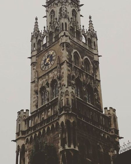 Glockenspiel Munich Glockenspiel Munich Muenchen Germany Dancingclock