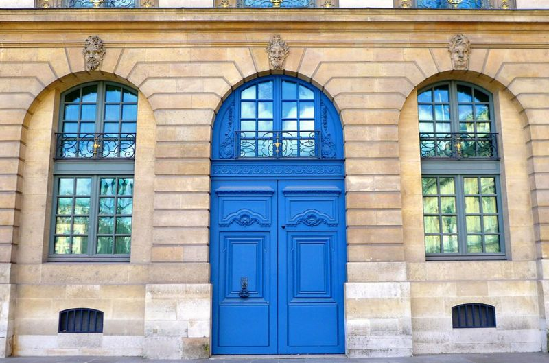 Traveling Discovering Beautiful Creativity Light Detail Photography Having Fun Decoration Chic Street Streetphotography Building Door White Old Blue Everything In Its Place Balancing Elements Fine Art Photography