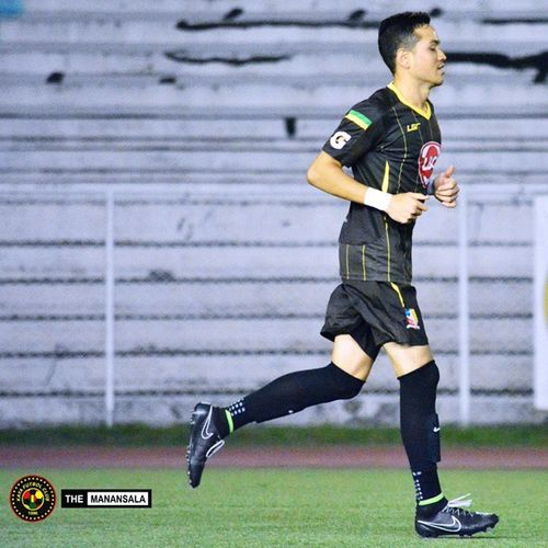 That feeling after scoring a goal! @alybor11 🎆⚽ . . . KayaFCvsTeamSocceroo ManOfTheMatch Sbspotlight Soccerbible unakaya kayafc UFL unitedfootballleague themanansala football