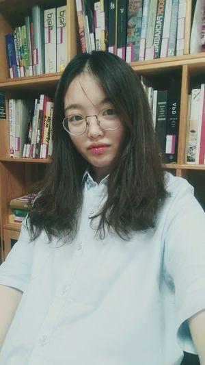 换座位啦 看 我像不像图书管理员^o^