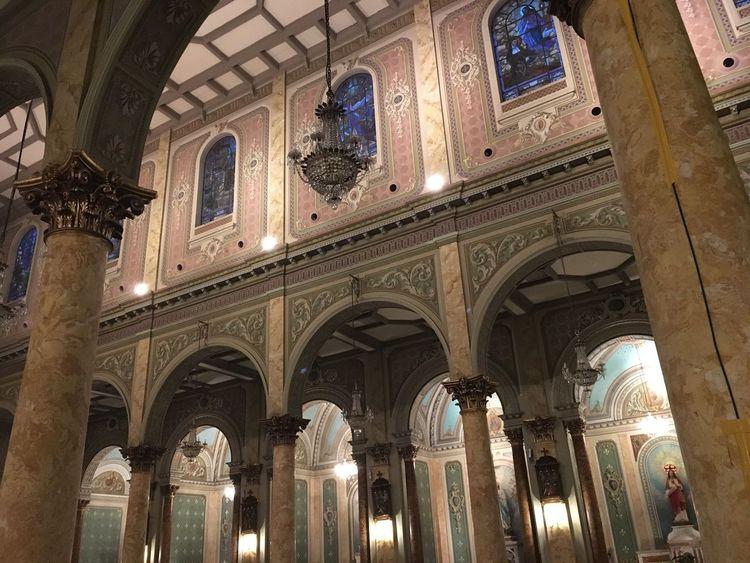 Praying Catolic Church Iglesia Beneditocalixto