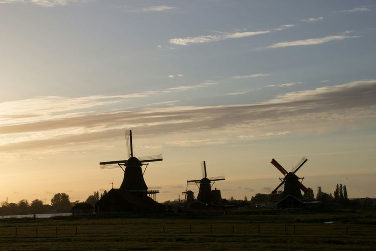 Taking Photos Sunset Zonsondergang Zaanse Schans Skyline Zaanse Schans Molen Windmill Fields Windmill Of The Day