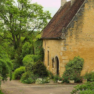 Druyeslesbellesfontaines Yonnetourisme Yonne Architecturerurale igersbourgogne bourgogne grainedenature