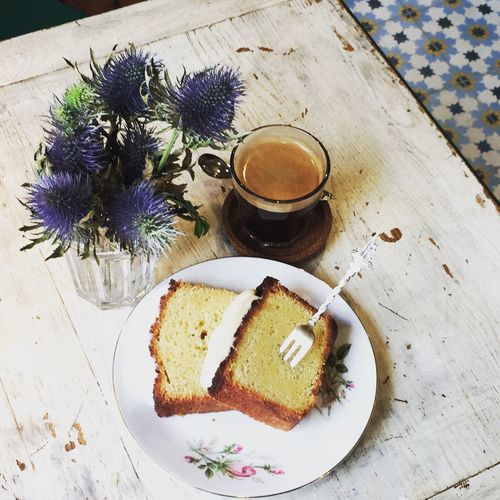Waiting for the rain to stop... ☔️ Dessert Pastry Afternoon Afternoon Coffee Chillout Coffee Time Coffee Afternoon Break Vintage Tiles