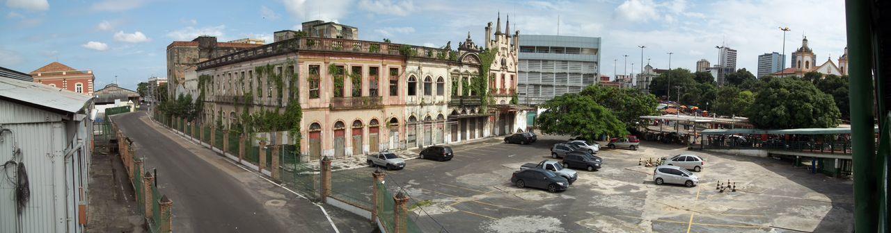 manauando... Ruas De Manaus Prédios Antigos De Manaus Street Of Manaus Prédios Antigos De Manaus No Filter, No Edit, Just Photography Car Tree City