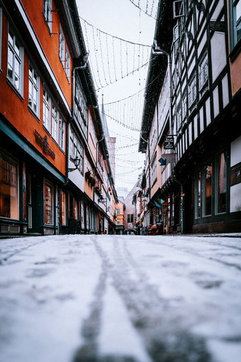 Krämerbrücke Erfurt Architecture Built Structure Building Exterior Building Day City The Way Forward Surface Level Direction Nature Selective Focus Street Transportation Outdoors Focus On Background Incidental People Diminishing Perspective Snow Residential District Alley Row House