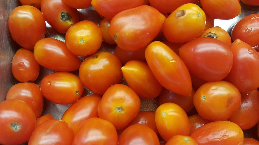 Full frame shot of tomatoes in market