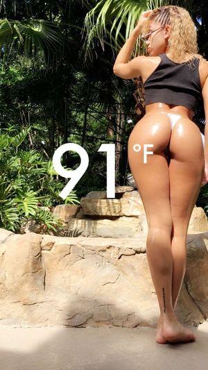 Perfectweather Perfect. Perfectbooty Miamiphotographer #miamiflorida #miamifashion #miaminights #miamiliving #miamistyle #miamibound #miamibeach #miamilife #brickell #wynwood #coralgables #sobe #igersmiami #ilovemiami #illgrammers #ig_masterpiece #incredible_shot #supremeshooters #photoofthe