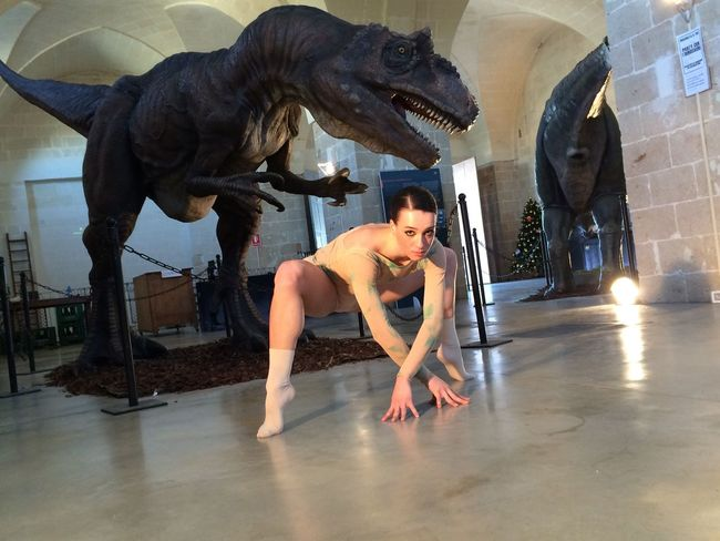 Bellezza Www.lasinfoniadellabellezza.it Ballerine Ballet Dance Streetphotography dancer and dinosaurs