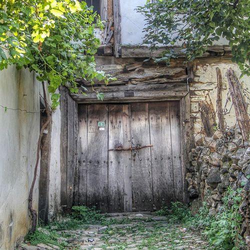 Oldtime_life_house Oldtimesturkey Ir_door Ir_ig_nature ir_splash igglobalclub ig_global_bw love_natura lokasyonum loves_amazonas