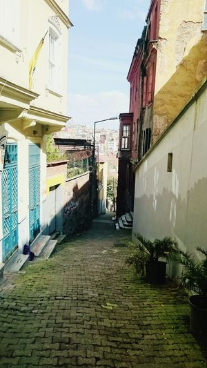 On The Road Path Buildings Old Buildings Discover Your City Taksim Taksimbeyoglu Istanbul Turkey Gezinti Discovering