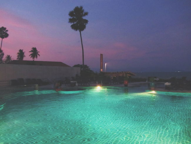 daydreaming💭 Purple Sky Sky Sunset Pool Palm Tree Thailand Ko Samui Ko Samui Thailand Water Tree Spraying Irrigation Equipment Galaxy Illuminated Astronomy Sky Green Color Tropical Tree Milky Way Palm Leaf