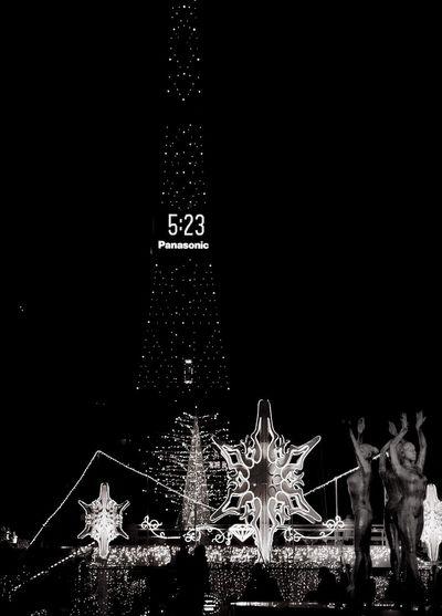 Black And White B&w Street Photography Monochrome B&w Photography Japanese  Japanese Culture Japanese Style Japan EyeEm Japan Japan Photography Light And Shadow Night EyeEm Best Shots - Black + White Nightphotography Night Photography Shades Of Grey Street Photography Sapporo Odori Park Streetphotography Illuminations Christmas Lights Night Lights