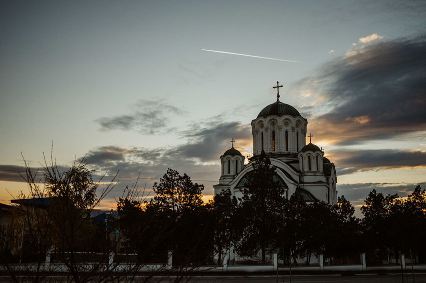 Beograd Lazarevac Orthodox Church Serbia Sunset Silhouettes Sunset And Clouds  Architecture Belgrade Fortress Kalemegdan Belgradestreets Built Structure Ortodox Serbianature Sky Spomen Kosturnica Sunset Susnset