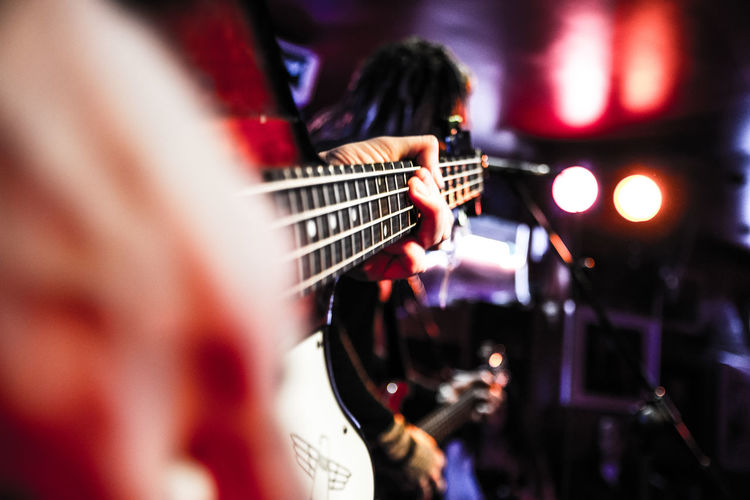 Arts Culture And Entertainment Band Rock Bass Guitar Bass Guitarist Concert Electric Guitar Guitar Indoors  Music Musical Instrument Musical Instrument String Musician Night Performance Playing Real People EyeEmNewHere