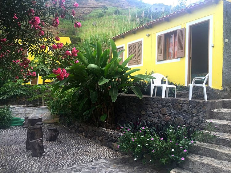 Casa das illas en el Valle de Paul. Amazing Paradise Hotel Diferent Nature Taking Photos Enjoying Life Cabo Verde Africa