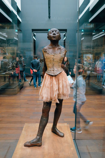Full Length One Person Only Women One Woman Only Adults Only Day Indoors  Adult Lifestyles Women People Paris, France  Paris EyeEm Selects Arts Culture And Entertainment Dorsay Museum D'Orsay Architecture Scupture France Artistic Art, Drawing, Creativity Museum