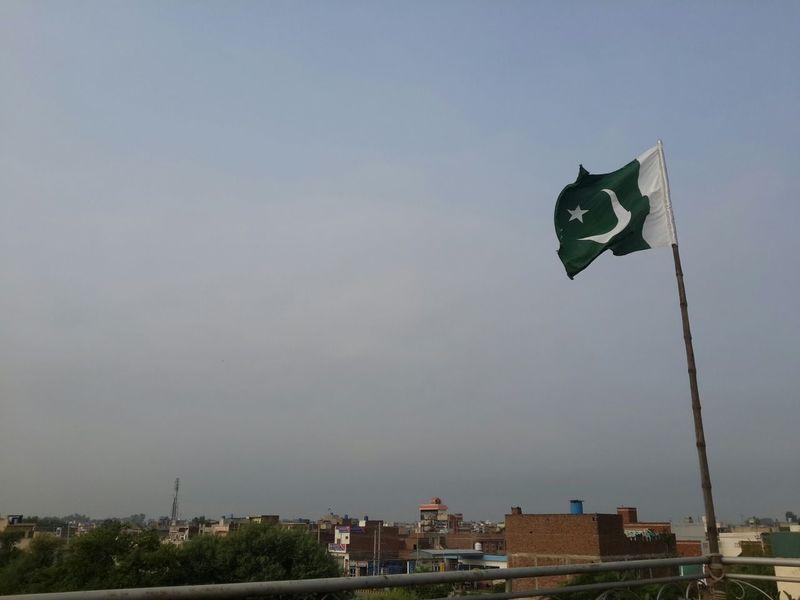 Okara Pakistan Pakistani Pakistan Zindabad <3 Pakistan's Independence Day Beauty Of Pakistan #pakistan #independence Day #flag #celebration Flag Breeze