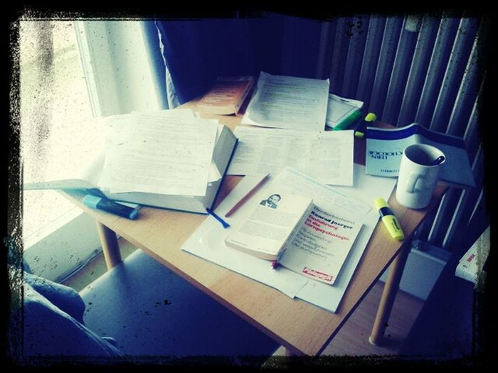 Unterbreche mein Lernen um zu weben... How crazy is that????