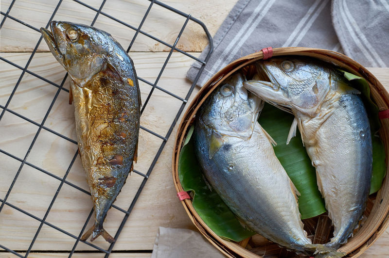 Day Fish Food Food And Drink Freshness Grille Grilled Healthy Eating High Angle View No People Outdoors Raw Food Seafood Short Mackerel Wooden Floor
