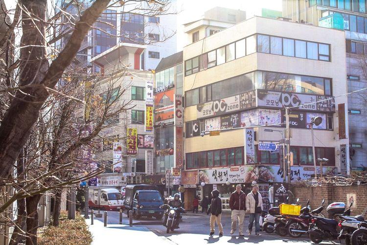 Embrace Urban Life City City Life South Korea Korea ASIA Bilding Streetphotography Street Photography Street Day Weekday Weekdays Seoul