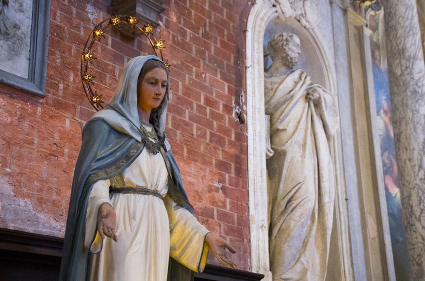 Brick Church Church Of The Brothers Europe Glowing Halo Halo Icon Italy Light Madonna S Santa Maria Gloriosa Dei Frari Sculpture Venice Venice, Italy Virgin Mary