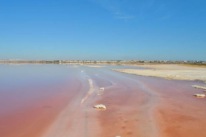 Man Nature SPAIN Salt SaltLake Torrevieja Travel Traveling Weird Blue Sky Cool Places Hats Pinklake Saltwater Sky Spaın Water