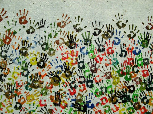 Live To Learn Hands Community Team Things Organized Neatly Handprint You & You Flyfish Album Fine Art Textures And Surfaces People Perception Individuality Same Same But Different Abstract Streetart Childsplay Painting Muster Mix Different Cultures Everything In Its Place Pattern, Texture, Shape And Form Hands On Hands Hidden Gems  Ich Fühl Mich Gut Ich Steh Auf Berlin