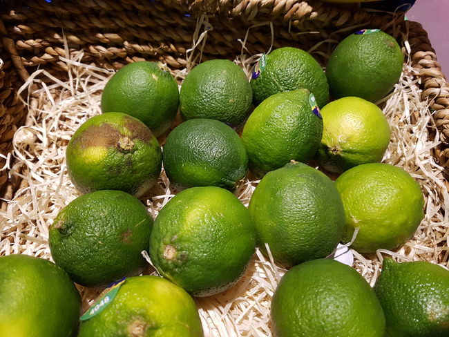 Freshness Healthy Eating Green Color Food Food And Drink Close-up Lime Limes Grocery Shopping Grocerystore Lemons Lemon Supermarket Bio Bio Food