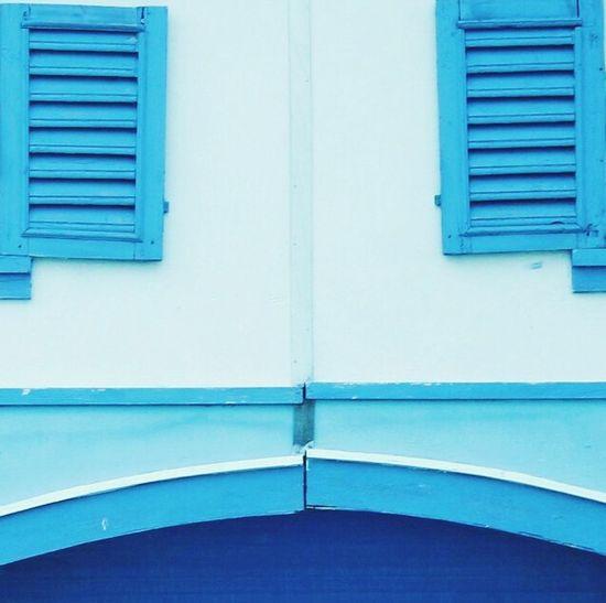 Blue Blu Azzurro White And Blue Window Finestra Forme Geometriche Geometry Colors Colours Colorful Colour EyeEm Best Shots Composition C Blue Wave