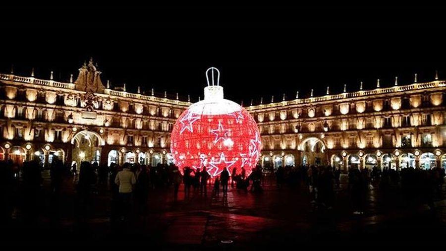La navidad y la plaza más bonita de todas Salamanca Navidad Christmastime BolaRoja