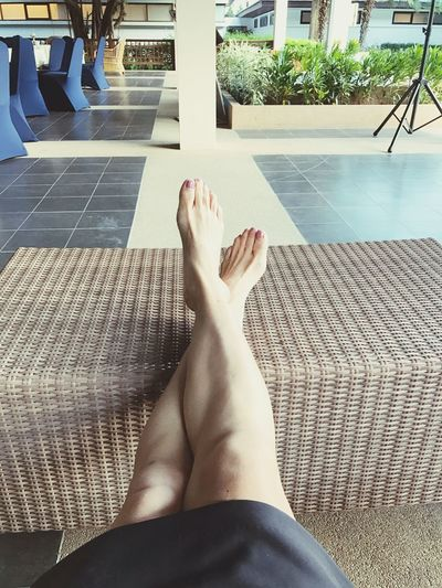 One Woman Only Relaxing Moments ioLifestyles leOne Person soLeisure Activity itHuman Foot ooBarefoot ooHuman Leg leWomen mSunlight ghLegs Crossed At Ankle kSwimming Pool ooDay daOutdoors orClose-up -uHuman Body Part arAdult uPeople plLazy azLasy asy yLasyness ess