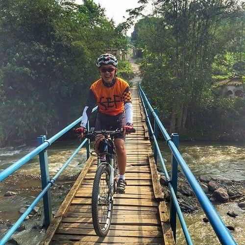crossing wooden bridge from rancamaya to kertamaya Sefo  Cipelang