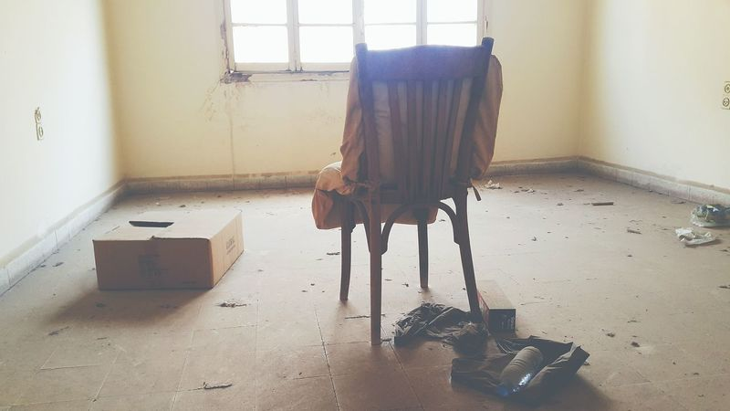 Indoors  Abandoned Abandoned Buildings Abandoned_junkies ChairAbandoned Places War Beirut Beiruting Lebanon Achrafieh