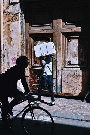 A week in Paris (78) CopyrightPiotrSzuber Paris Streetlife Streetphotography Colors Streetphotography Street Photography The Street Photographer - 2015 EyeEm Awards Creative Light And Shadow VSCO Vscocam K3