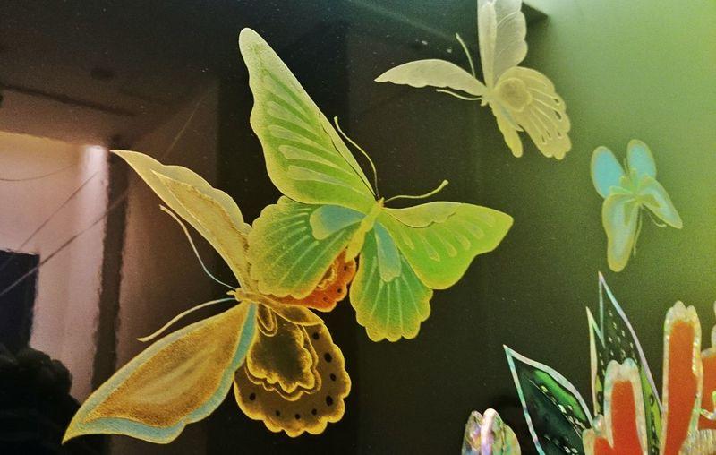 和キルト+百段階段展(特に有料が)素晴らしかったけれど、目黒雅叙園内も素晴らしい物ばかりだった♪これはエレベータ内の螺鈿細工。 This is Mother-of-pearl work's Butterfly In The Elevator. Japan Crafts at Megurogajoen, Tokyo, Japan.