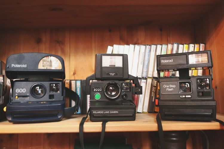 Passion Books Photos Cameras Old Retro Lomo Mechanical Photocamera Photographer Photography Movie Camera Photography Themes Technology Camera - Photographic Equipment Arts Culture And Entertainment Old-fashioned Music Retro Styled Electronics Industry Wood - Material EyeEmNewHere