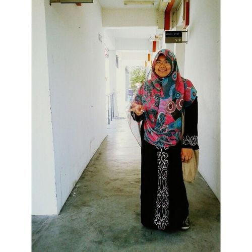 No MONADAY blues ! *Howyeah!* Lets keep ourselves stride ahead and stay positive ! We are the caliphs and we are the slaves... Biiznillah ! ~Just an unsung legend and a non stop fighter~ ____________________ *thx @rinasallehclothing for this awesome wide shawl...bestnyaa xyah gosok tudung ! ;) ;) ;) Keep calm and keep modesty ^^ Loc  Modesty  Deen Positive monday almightybless