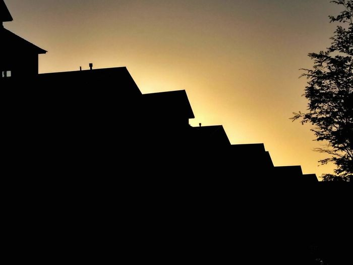 Orange Sunset Orange Color Black Background Contrasts Motorola Photography Temprature Afternoon Rays Of Light Sunlight Sun Earth Heaven Sunset King - Royal Person Politics And Government Silhouette City Sky Architecture Archaeology Pyramid Pyramid Shape
