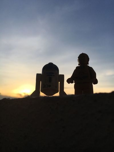 Best friends forever. Binary Sunset Minifigs Droids Star Wars Starwars LEGO Toyphotography Sky Architecture Built Structure Cloud - Sky Sunset Silhouette Two People Togetherness Outdoors