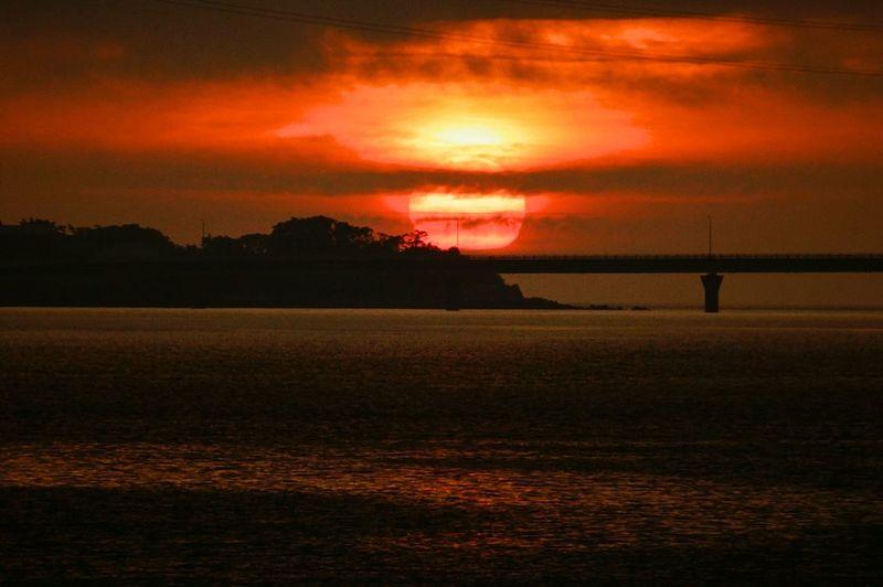 そろそろ梅雨入り。夕景撮りに行けるのも、後何日あるだろう… Sunset 楽しみ隊 Sunset Lovers Darkness And Light Sunset_collection Sun_collection Lovely Nature Hallo World Landscape Sky_collection River Collection Riverside Kagoshima 黄昏隊 (^-^ゞ Good night 🌙 🙋