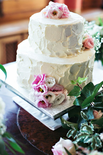 Cake Close-up Day Dessert Flower Food Food And Drink Freshness Indoors  Indulgence Leaf No People Ready-to-eat Rose - Flower Sweet Food Table Temptation Unhealthy Eating Wedding Cake