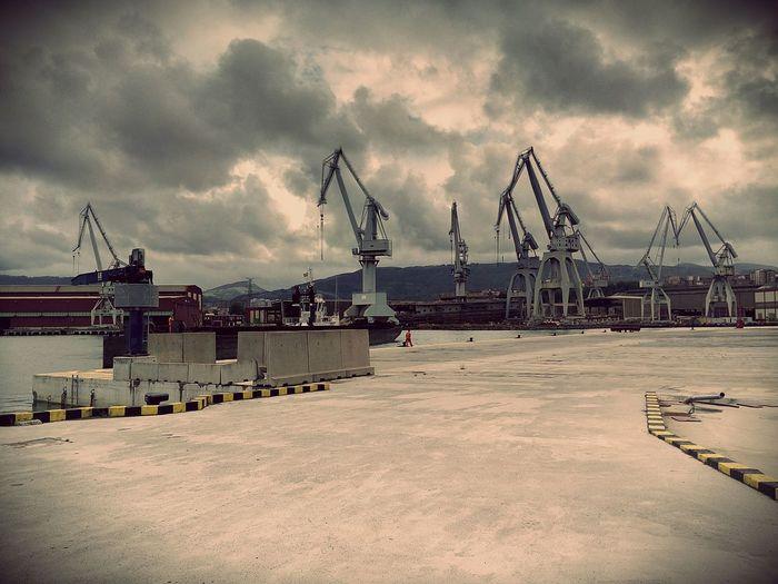 Giants of steel Bizkaia Bilbao Grua Cloudy