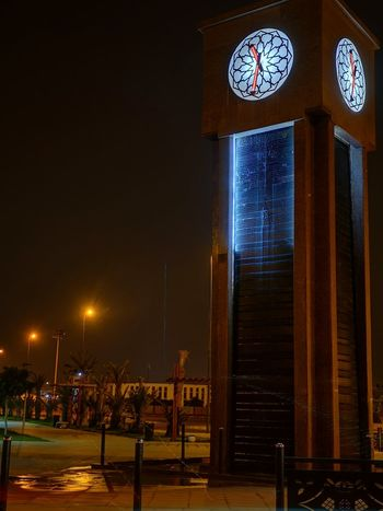 Laayoune by night Night Nightphotography Night Lights Lighted Structure Laayoune Morocco MoroccoTrip Pole Lightpole Light And Shadow Illuminated Clock Electric Light Urban Scene Lamp Electricity