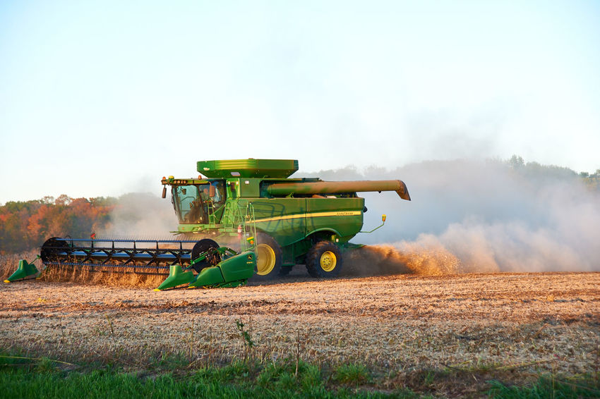 """The Dust Will Fly! Soybeans are one of the """"dustiest"""" crops to harvest. Agriculture Autumn Combine Farm Farm Life ✌ Farming Vehicles Harvest Harvest Time Harvesting John Deere Soybeans"""