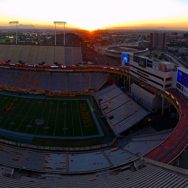 Sunrise over Sundevils stadium Gameday crew is set and ready for Collegefootball Tvmagic Washingtonstate at Arizonastate on Pac12Networks @travismckinnon @andytelevision @yogiroth @dx_cutler @jjstenroos and the rest of our amazing crew